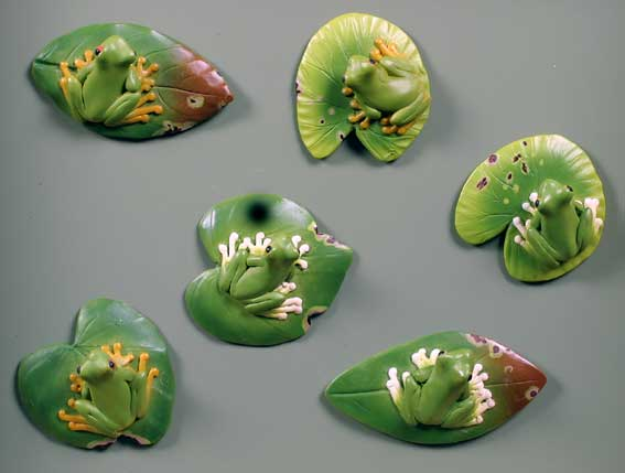 Frog on Leaves - Magnets